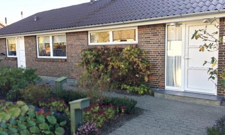 Klassisk parcelhus med nye vinduer og døre i træ-alu